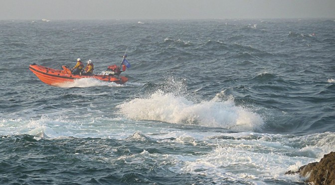 St Abbs Lifeboat Searches for Missing Surfer, Joined by RAF Sea King